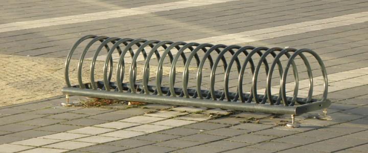 Tanie stojaki rowerowe – przygotujmy się na nadchodzącą wiosnę